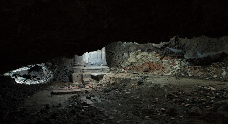 etna romance itinerari Romantic caves - The cave of discovery